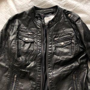 Never worn! Women's fashion leather jacket